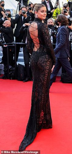 Victoria Silvstedt, Silver Gown, Floral Gown, Taylor Hill, Brunette Beauty, Cannes Film Festival, Fashion Beauty, Celebs, Glamour