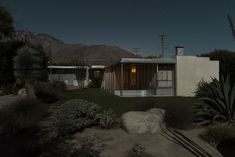 Moonlit Modernist Villas by Photographer Tom Blachford | http://www.yatzer.com/midnight-modern-tom-blachford