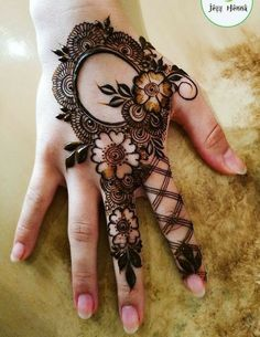 65 Fresh and Latest mehndi designs to try in 2020 Bling Sparkle Khafif Mehndi Design, Back Hand Mehndi Designs, Mehndi Designs Book, Mehndi Designs 2018, Modern Mehndi Designs, Mehndi Design Photos, Mehndi Designs For Fingers, Dulhan Mehndi Designs, Mehndi Designs For Hands