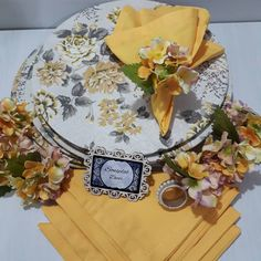 Napkin Folding, Ideas Para Fiestas, Ikebana, Tablescapes, Dinnerware, Sewing Crafts, Special Occasion, Napkins, Table Settings