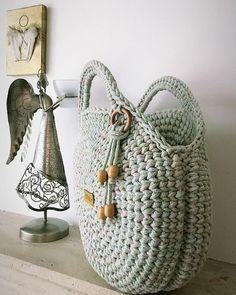Bag Crochet, Crochet Handbags, Crochet Purses, Love Crochet, Crochet Doilies, Crochet Woman, Crochet Circles, Crochet Round, Macrame Bag