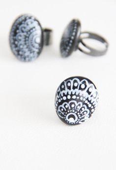 Such a cool idea! Alisa Burke — stone ring-1
