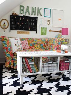 10 Clever Decor Ideas Using a Sharpie >> http://blog.diynetwork.com/maderemade/2014/10/23/10-decor-ideas-you-can-accomplish-with-just-a-sharpie/?soc=pinterest