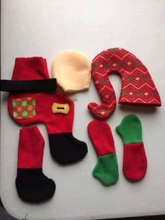 Dory, Christmas Stockings, Santa, Diy Crafts, Holiday Decor, Pattern, Felt Dolls, Fabric Dolls, Christmas Crafts