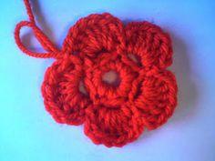 Silles hantverk: Virkad blomma Crochet Flowers, Crochet Earrings, Crochet Ideas, Madrid, Crocheted Flowers, Crochet Flower
