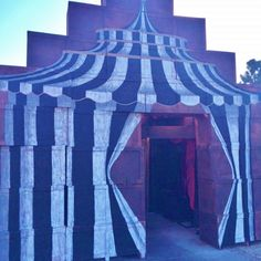 """Entrance to """"Something Wicked This Way Comes"""" @ Roger's Gardens Halloween 2015- Eric Cortina"""