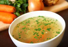 A halászlétől a tyúkhúslevesig: a 7 legfinomabb klasszikus téli leves receptje | femina.hu