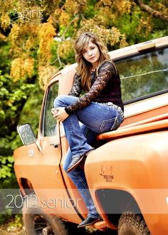 Liz senior pictures next year.with her Dads Jeep :) unique+Senior+Pictures+Ideas+For+Girls Fall Senior Portraits, Senior Girl Poses, Senior Girls, Senior Posing, Unique Senior Pictures, Girl Senior Pictures, Senior Photos, Diesel Trucks, Senior Photography