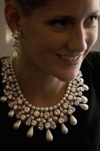Harry Winston ~ diamonds and pearls~ worth 20 million!