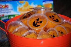 Halloween classroom treat for schools with no candy policies. Cute fruit cup in juice (not syrup) and draw jack-o-lantern faces with sharpie.  (check student food allergies first * citrus, fruits*
