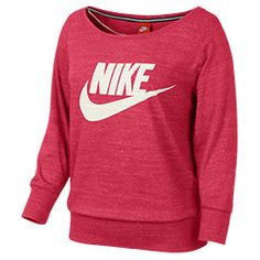 A classic sweatshirt for everyday wear, the Nike Gym Vintage Crew has laid-back style to keep you looking fresh in and out of the gym. Easygoing without being sloppy, this casual crewneck sweatshirt is the perfect topper with your favorite jeans