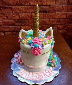 "53 Me gusta, 2 comentarios - Belis Cupcakes PUERTO CABELLO (@beliscupcakes) en Instagram: ""Celebrando la vida, Happy birthday  #beliscupcakes #puertocabello #venezuela #cake #unicornio…"""