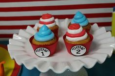 Cupcakes at a Cat in the Hat Party #catinthehat #cupcakes
