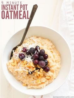 Make fast, easy and healthy Instant Pot oatmeal using rolled oats instead of steel-cut for super breakfasts. Top with bananas, stir-in pumpkin or even apples and cinnamon! Instant Pot Oatmeal Recipe, Oatmeal Recipes, Small Instant Pot, How To Make Breakfast, Breakfast Ideas, Breakfast Recipes, Breakfast Dishes, Breakfast Time, Vegan Breakfast