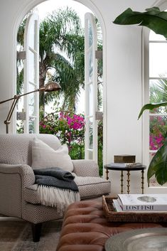 Decor Inspiration: Cozy Living Space With ideas of cozy dancing in my mind for my living room, I stumbled across a living room designed by Coco Republic Interior Design and quickly took note. From the tufted ottoman (you can find affo… House Design, Interior, Tropical Decor Living Room, Tropical Living, Home, Tropical Home Decor, Tropical Living Room, Cozy Living Spaces, Interior Design
