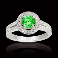 cfa561c6492 Bague Sarah émeraude et pavage diamants en or blanc 18K. Disponible en or  jaune ou