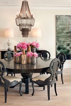 LOVE this dining room by Green Couch Interiors using the Maxim Iron Beaded Chandelier by Arteriors Dining Room Centerpiece, Decoration Table, Dining Table, Dining Rooms, Dining Area, Dining Chairs, Round Dining, Wood Table, Home Interior