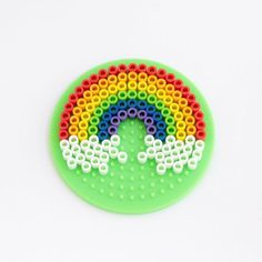 Kids can boost pattern skills, design skills, and fine motor skills with this super-fun and super-colorful Perler bead rainbow! Easy Perler Bead Patterns, Diy Perler Beads, Perler Bead Art, Pearler Beads, Fuse Beads, Minion, Class Art Projects, Pixel Beads, Hama Beads Design