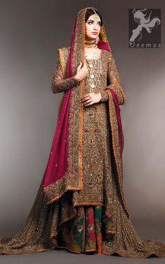 Latest Bridal Sharara Designs For Wedding Pakistani Wedding Outfits, Pakistani Wedding Dresses, Designer Wedding Dresses, Pakistani Mehndi Dress, Wedding Gowns, Asian Wedding Dress, Desi Wedding, Sharara Designs, New Bridal Dresses