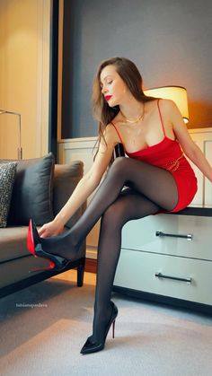 Stockings Outfit, Pantyhose Outfits, Nylons And Pantyhose, Beautiful Legs, Beautiful Outfits, Black Tights Outfit, Little Red Dress, Crazy Outfits, Photography Poses Women