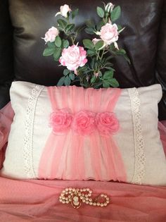 Linen, tulle and organza roses pillow