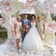 Giant flowers The most popular material for creating wedding decorations ISOLON with us in the sale, worldwide shipping Wedding Stage, Wedding Ceremony, Wedding Photos, Dream Wedding, Paper Flower Backdrop, Paper Flowers, Decoration Buffet, Giant Flowers, Wedding Designs
