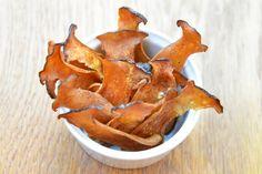 Mushroom chips Paleo Recipes, Snack Recipes, Large Mushroom, Nom Nom Paleo, Light Snacks, Stuffed Mushrooms, Stuffed Peppers, Brain Food, Oysters