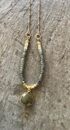 Labradorite Aquamarine Necklace Gold Fill Green Gemstones Bead and Gold Chain Necklace Labradorite Bezel Pendant Boho Moss Aquamarine 14k Gold Necklace, Diamond Solitaire Necklace, Pendant Necklace, Pearl Pendant, Diamond Necklaces, Diamond Stud, Statement Necklaces, Leather Necklace, Cross Pendant