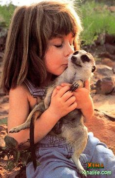 TIPPI DEGRE - ADORABLE FRENCH GIRL GROWING UP IN AFRICA WITH WILDLIFE PHOTOGRAPHER PARENTS