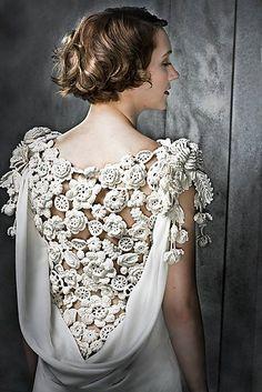 irish japanese crochet wedding dress Mutsumi Harada 原田睦美 That is gorgeous. If I don't make a full irish crochet wedding dress. Beau Crochet, Mode Crochet, Irish Crochet, Crochet Lace, Crochet Flowers, Crochet Wedding Dresses, Wedding Dress Patterns, Crochet Dresses, Dress Wedding