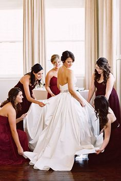 18 Creative Wedding Entourage Photo Ideas ❤ See more: http://www.weddingforward.com/wedding-entourage-photo-ideas/ #weddings #photography