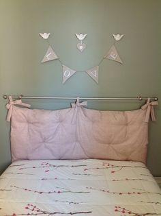***DESCRIÇÃO: Cabeceira para cama de casal padrão confeccionada em tecido, com…