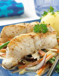 Steinbit med rotgrønnsaker Good Food, Turkey, Fish, Drinks, Inspiration, Cook, Biblical Inspiration, Pisces, Drink