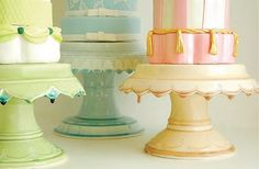 Ceramic cake stand. Drip glaze would drive me nuts, but looks cool.