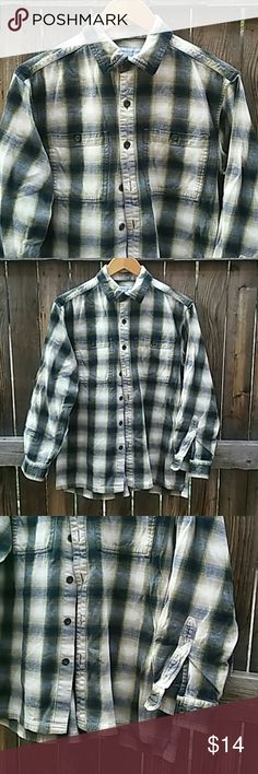 """Eastern Mountain Sports shirt mens S plaid..d Nice, soft plaid cotton fabric, medium thick Pre loved with no issues Chest is 42"""", long 27"""" Tab, olive and gray shades eastern mountain sports Shirts Casual Button Down Shirts"""