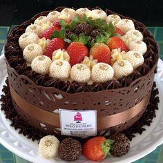 Chocolate Delight, Chocolate Cake, Bolos Naked Cake, Doughnut Cake, Angel Cake, Cake Business, Cute Cakes, Cake Art, Beautiful Cakes