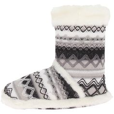 M&F Western Knit Print Bootie Slippers (White) Women's Slippers (66 BRL) ❤ liked on Polyvore featuring shoes and slippers