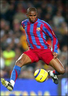 Samuel Eto 'o of Barcelona in Club Football, Football Drills, Football Icon, Best Football Players, Good Soccer Players, World Football, Sport Football, Barcelona Futbol Club, Fc Barcelona