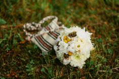 Iulia-Andrei-traditional romanian wedding_land of white deer (51)