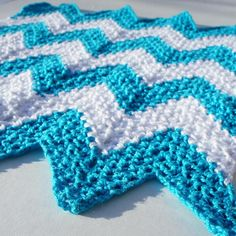 Skill Level: Easy Who says a dishcloth has to be square? I'm in love with chevrons right now so I thought I would make some pretty dishcloths to Dishcloth Knitting Patterns, Crochet Dishcloths, Crochet Patterns, Crochet Blankets, Crochet Geek, Diy Crochet, Crochet Hooks, Chevron, Baby Afghan Crochet