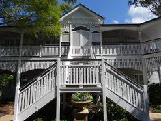 White Queenslander renovation in Brisbane Australian Garden, Australian Homes, Brisbane, Facade House, House Exteriors, House Facades, Exterior House Colors, Exterior Stairs, Exterior Paint