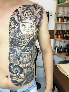 Japanese Tattoo Designs, Japanese Sleeve Tattoos, Daruma Doll Tattoo, King Tattoos, Samurai Tattoo, Long Hair Cuts, Doodle Drawings, Tattoo Japanese, Male Tattoo
