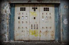 Το θρυλικό εργοστάσιο της Δραπετσώνας και η εγκατάλειψη της ελληνικής βιομηχανίας Lockers, Locker Storage, Greece, Home Decor, Greece Country, Decoration Home, Room Decor, Locker, Home Interior Design