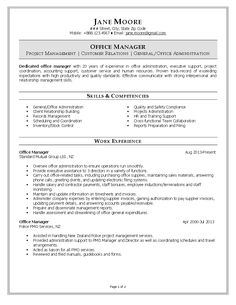 Resume sample of an Office Manager with over 20 years of experience in office administration and executive support. Examples Of Communication Skills, Office Assistant Job Description, Office Assistant Resume, Functional Resume Template, Executive Resume, Executive Office, Good Resume Examples, Resume Ideas, Records Management