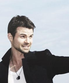 Mr Daniel Gillies - The Vampire Diaries Cast. ♥