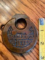 antique padlocks -- Antique Price Guide Antique Keys, Rare Antique, Antique Brass, Central Pacific Railroad, Yale Locks, Gold Gate, 9ct Gold Chain, Padlocks, Key Lock