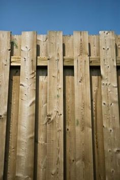How To Stain A Fence With A Pump Sprayer