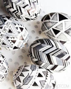 alisaburke: geometric egg patterns with sharpie pens