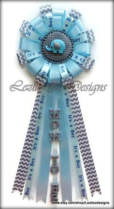 Baby Elephant Theme - Gray Chevron and Baby Blue - Baby Elephant Corsage - Baby Shower Mum Capia Favor Ribbon Pin Keepsake - Gray Lite Blue Distintivos Baby Shower, Bebe Shower, Baby Shower Party Favors, Boy Baby Shower Themes, Baby Shower Gender Reveal, Baby Shower Games, Baby Shower Parties, Baby Boy Shower, Baby Shower Decorations