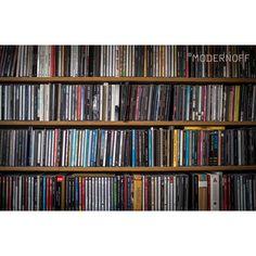 Czas na porządki w płytach czy na kupno nowych półek? W tym drugim z przyjemnością pomożemy.